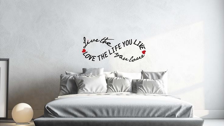 מדבקת קיר LOVE THE LIFE YOU LIVE