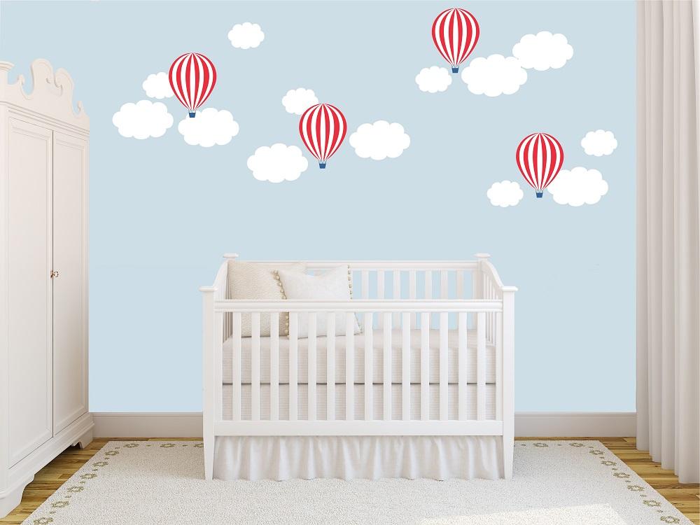 מדבקות קיר עננים וכדורים פורחים לחדרי ילדים