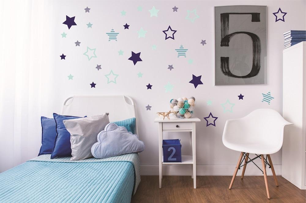 מדבקות קיר כוכבים בגוונים שונים לחדרי ילדים ותינוקות