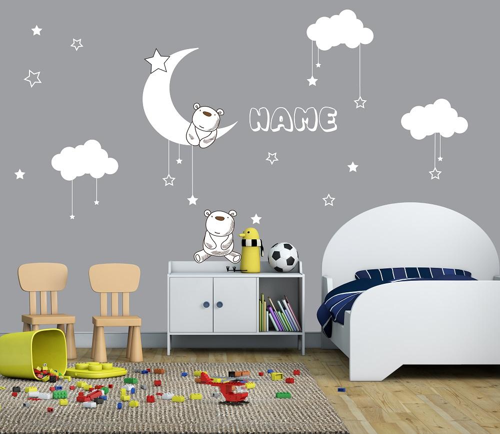 מדבקות קיר עננים וכוכבים לחדרי ילדים עם שם בהתאמה אישית