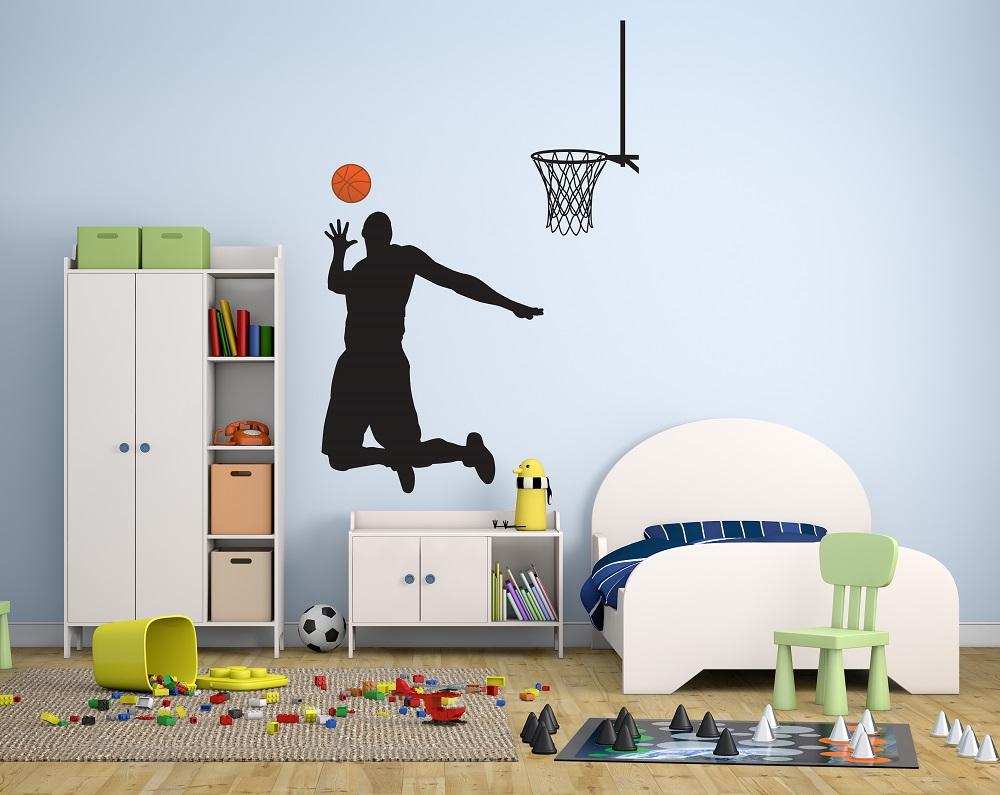 מדבקת קיר שחקן כדורסל לחדרי ילדים
