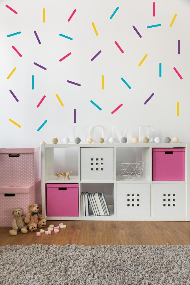 מדבקות קיר קווים צבעוניים לחדרי ילדים