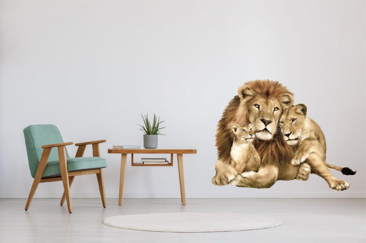 מדבקת קיר אריה ומשפחה